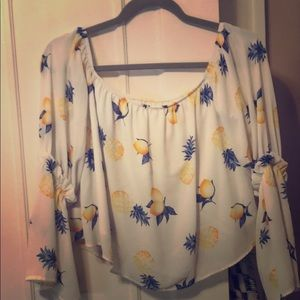 Lemon and pineapple top